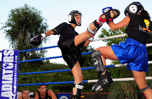 women kick boxing photo